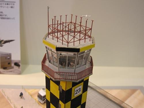 NゲージやZゲージなど鉄道模型の情景用のミニチュアペーパークラフトを展示していました。 昔の町並みを再現しているこの建物のほとんどは紙で作られているそうです。